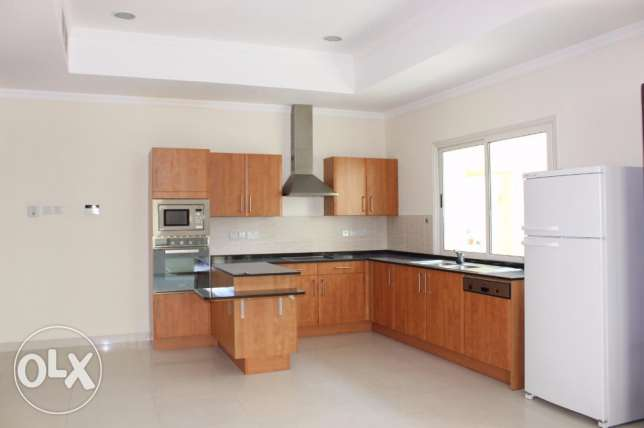 3 Bedroom Amazing Villa Sf in Janabiyah