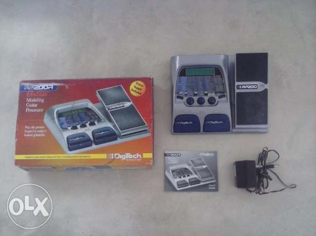 Digitech RP200A Guitar multi-effect Pedal - LIKE NEW!