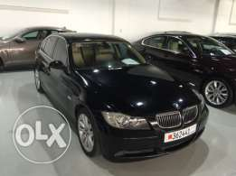 BMW 325i 2008 6 cylinders 2.5 liter excellent condition Agent Maintend
