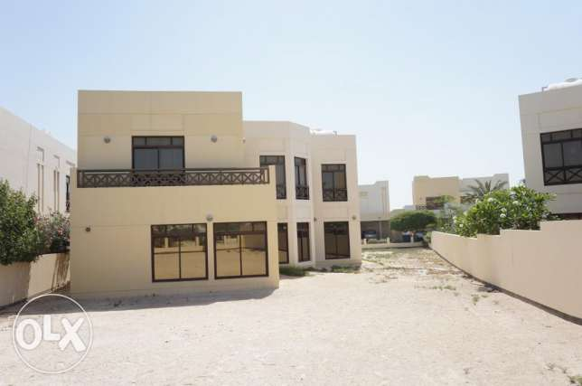 Massive & Huge 5 bedroom luxury villa for sale in Riffa Views