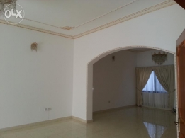 spacious huge villa for rent in upclass area mahooz