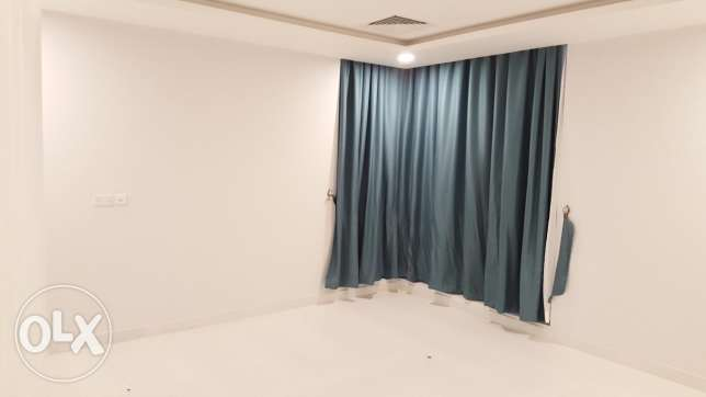 Too spacious three bedroom apartment with split Air conditioning