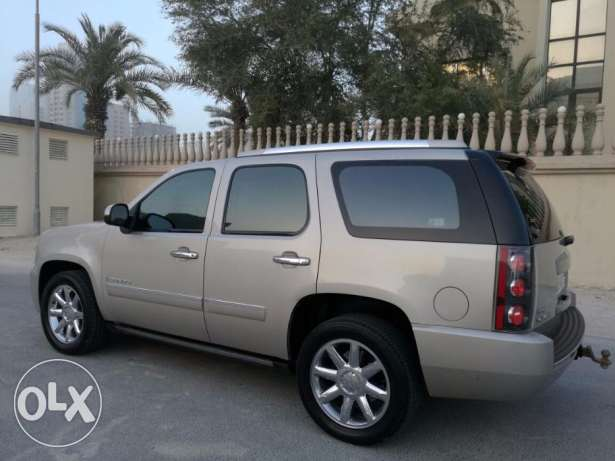 GMC Yukon Denali 2009 Model Bahraini car in Brand new condition