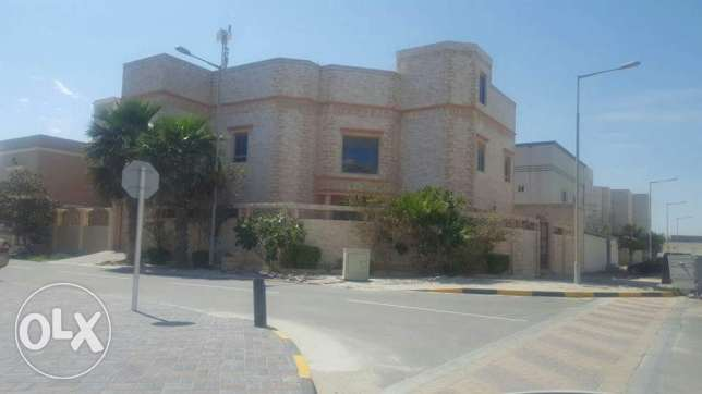 Busaiteen: 5 BR huge fully furnished villa for rent