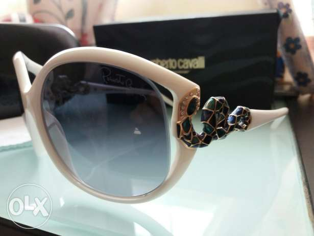 UNUSED Roberto Cavalli sunglasses for women