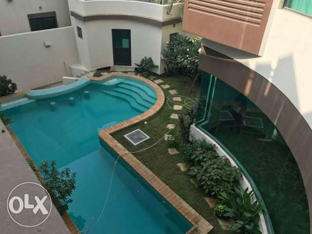 Modern 4 BR villa in Saar / Private pool