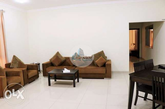 Serviced apartment with generous sea view