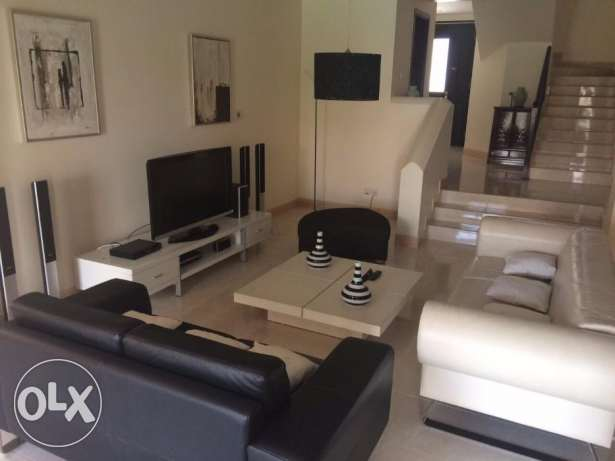 Amwaj Island:- 4Bhk Fully Furnished Villa on Rent...