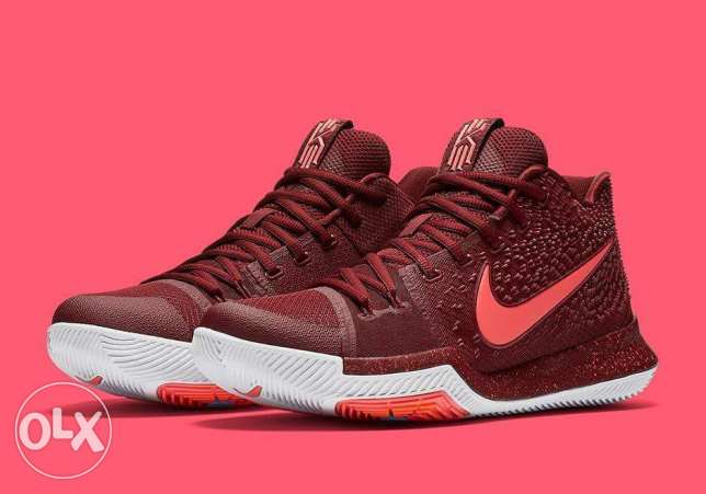 Kyrie irving 3 maroon