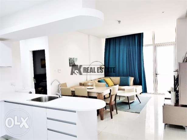 PARTIAL SEA VIEW - Large, Modern and Comfortable 1BR