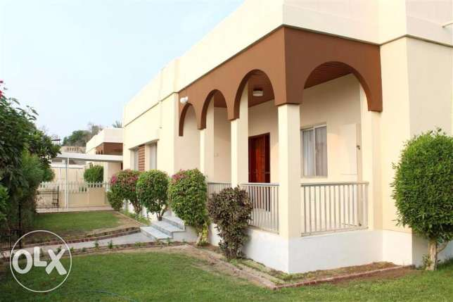 SRA66 3br semi furnished villa for rent in saar close to sar mosque