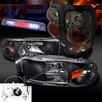 Head Lights - Dodge Ram Truck 1500 for model 1999 to 2001