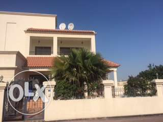 Phenomenal 4-Bedroom Villa in Hamala for Rent