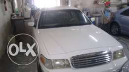 for sale ford crown victoria model 2000