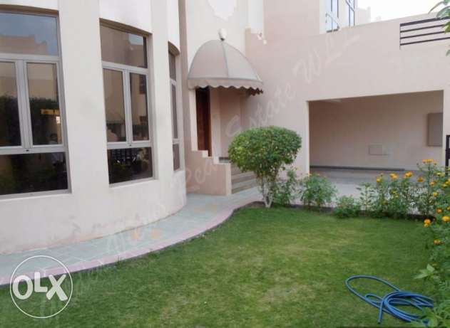 Hamala 4 bedroom semi furnished villa with large garden,amenities incl