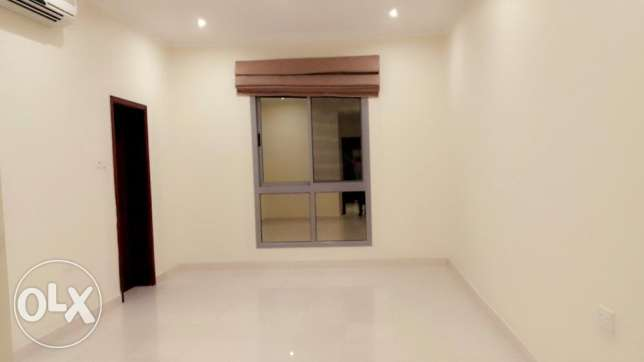 2 Bedroom spacious s/furnished apartment in Hidd