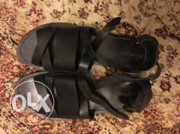 Flat Leather Sandal - Black
