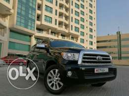 2012 toyota sequoia limited V8 5.7cc Excellent condition low mileage