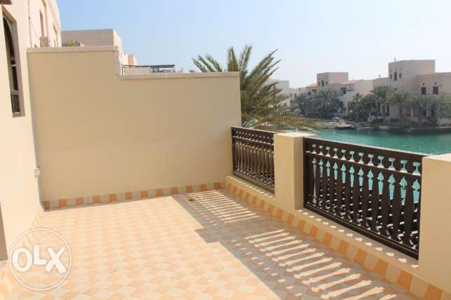 Fabulous 3 Storey Villa for sale in Amwaj with amazing sea view جزر امواج  -  7