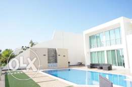 Elegantly furnished 4 BR luxury villa for sale beach side in Durrat