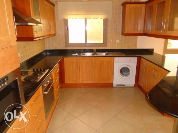 GREAT 3 bedroom flat semi furnished 500 in Mahooz