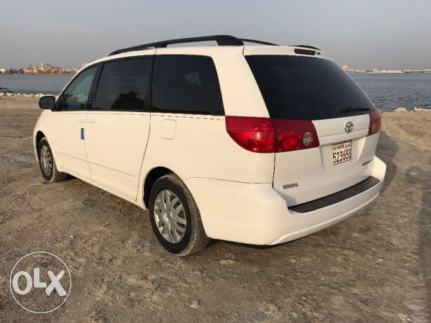 Well maintained Toyota Sienna for sale in immaculate condition