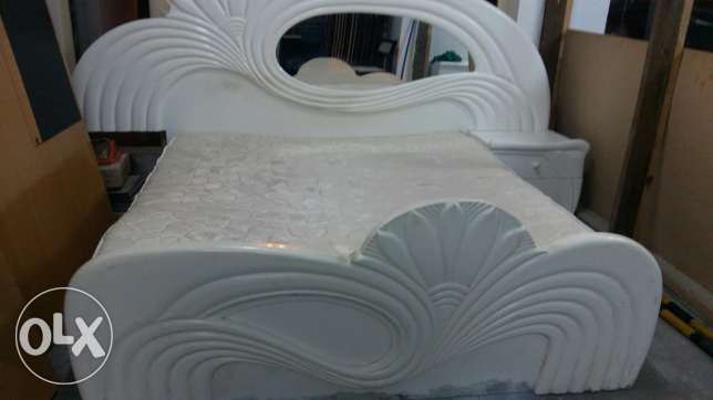 Bed with Mattress is for sale (Size 180*190) - Free delivery and fixin المنامة -  2