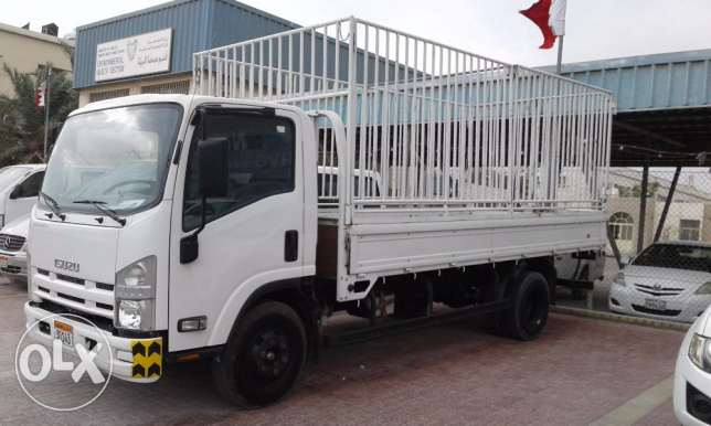 For sale Isuzu cargo truck model 2015