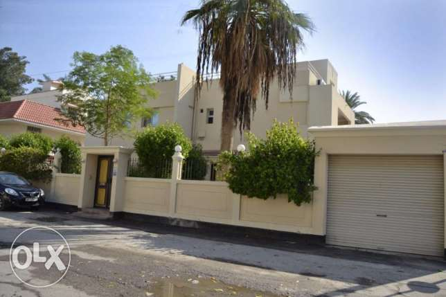 4 Bedroom with Private pool & Garden in Adliya العدلية -  7