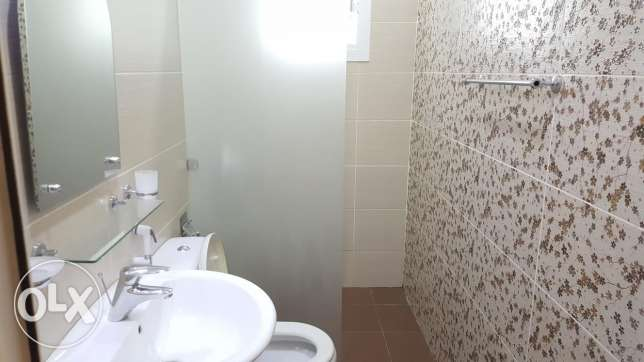 Semi furnished apartment Two BHK جانبية -  3