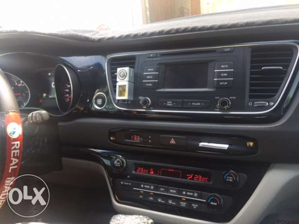 Kia Carnival (FULL OPTION) 2016 Model for urgent sale