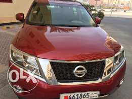 Nissan Pathfinder 2013 SL 4WD fully loaded