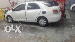 Toyota yaris model 2009 for sale very very argnt I am leve the Bahrain