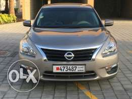 V6 engine Nissan Altima for sale single lady owner very low mileage