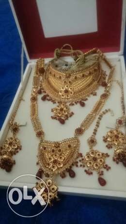 Bridal artificial jewelry set ,,good quality.used once only