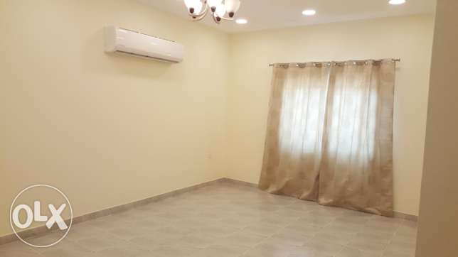 Shakhoora semi furnished 3 BHK flat - nearby nakheel centre