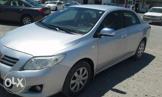 Toyota corolla 2010 accident free 1.8 pass insurance till Nov 2017.