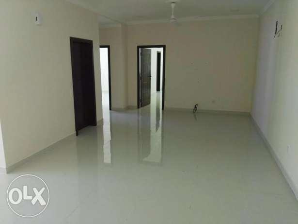 Huge 2Bedrooms Flat In New Qalali Close to Amwaj Island Signal