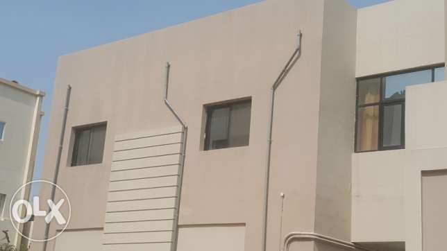 MAHOOZ 4 BEDROOMS Semi Furnished Flat for Rent
