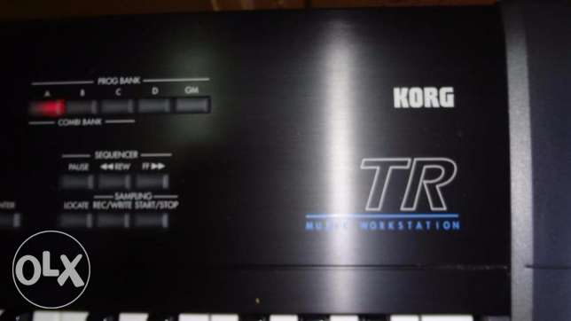KORG TR 61 Music Workstation Synthesizer