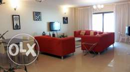 Modernly Furnished 2 Bedrooms apartment with private beach access