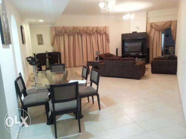 Luxurious 2 bedrooms apartment with modern furniture fully furnished w