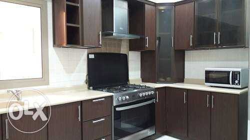 3 bedroom full furnish apmt at Busaiteen w/big closed kitchen BD.475