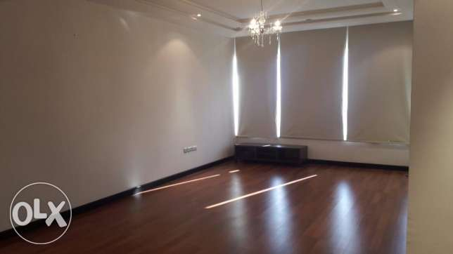 Modern semi 2 BR in Burhama near Seef