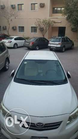 Toyota corrolla XLI 1.8 white color on sale by Expat