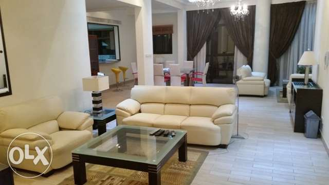 Superb Sea View, Exotic New Modernly Furnished 4BR Penthouse - Antony