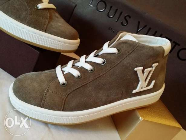 Brand New Authentic Louis Vuitton Surfside Sneaker for Kids