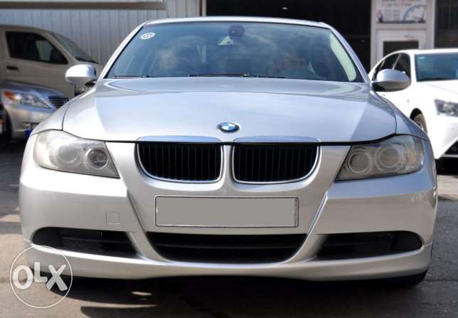 BMW 320i good condition non accident..