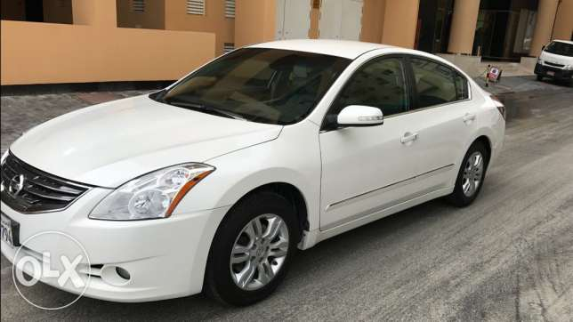 For sale NISSAN ALTIMA .2.5S Model 2012 4.Cylinders