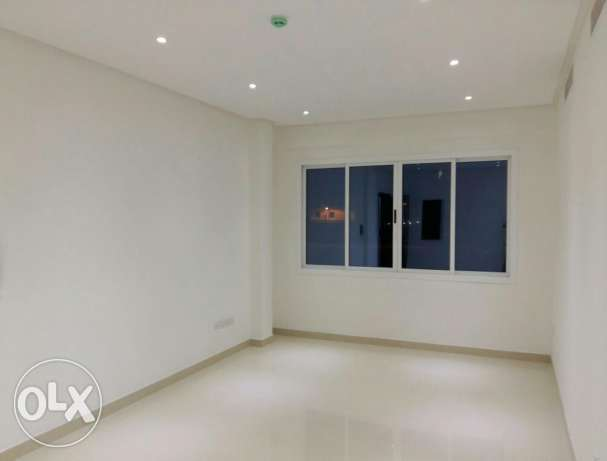 Nw hidd, perfect 2 BHK flat Semi furnished with balcony and central Ac المحرق‎ -  2